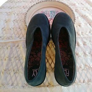FLY LONDON Gray Suede Wedge Shoe SZ 7